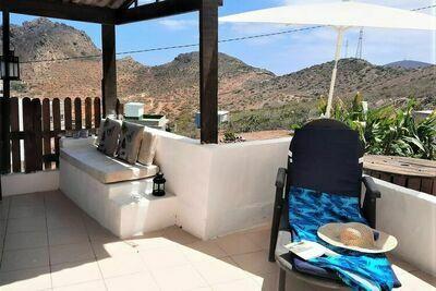 Casa Sandra avec terrasse privée et vue sur la mer