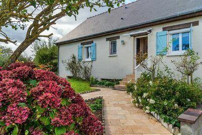Spacieuse maison avec grand jardin clos à Port-en-Bessin