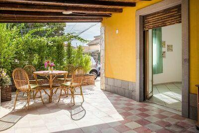 Maison de vacances ensoleillée à Agnone près de la plage