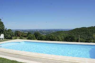 Splendide Villa du 18e avec piscine chauffée et jardin à perte de vue