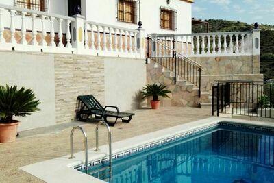 Maison de vacances isolée à Malaga avec piscine privée