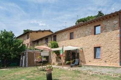 Charmante Villa à Sienne avec Jardin