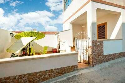 Charmante maison de vacances à Triscina Di Selinunte avec terrasse
