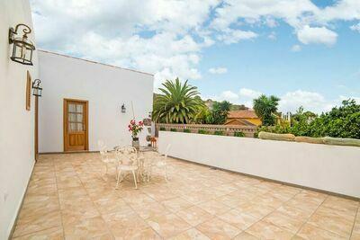 Maison de vacances confortable à Genovés avec balcon