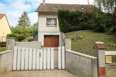 Maison rénovée avec jardin à Bonny sur Loire, près de Sancerre