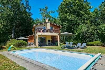 Villa très luxueuse avec piscine privée et terrasse couverte
