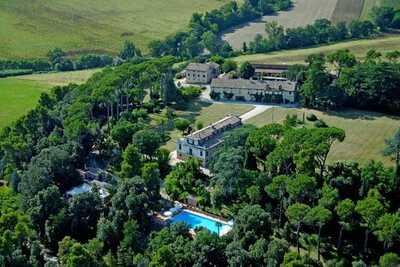 Agréable maison de vacances à Treia avec jardin