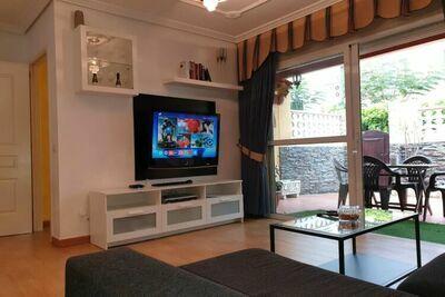 Maison de vacances luxuriante à Arona avec jacuzzi