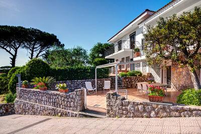 Charmante Villa à Massa Lubrense avec Jardin