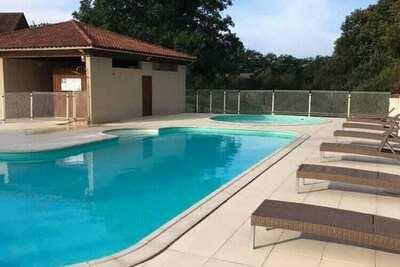 Maison de vacances vue montagne à Lacapelle-Marival avec jardin