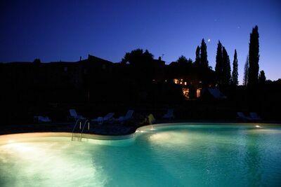 Ferme accueillante à Monticiano avec jardin