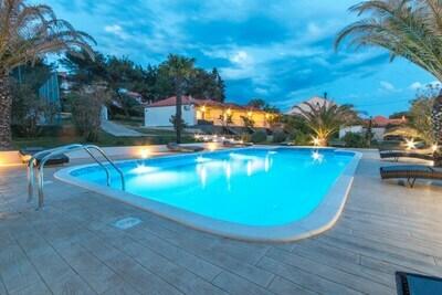 Belle maison de vacances à Bibinje près de la plage