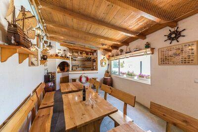 Villa de 3 étages avec piscine privée et vue sur la mer