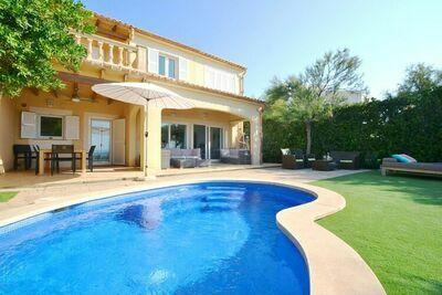Maison de vacances reliée à seulement 200m de large plage de sable à Majorque