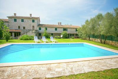 Grand appartement avec piscine à Selina, Croatie