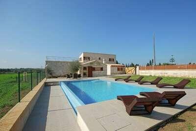 Maison de vacances moderne avec piscine privée