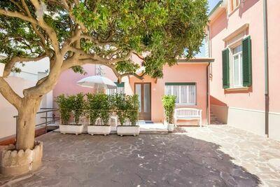 Jolie maison de vacances à San Vincenzo avec vue sur la mer