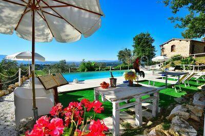 Splendide villa indépendante avec piscine privée à Rignano sull