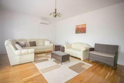 Appartement confortable à Buzet en Croatie avec piscine