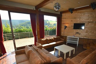 Luxueuse maison avec jacuzzi et piscine intérieure à Trooz