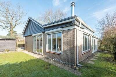 Jolie maison avec un jardin ensoleillé situé près de la Veerse Meer