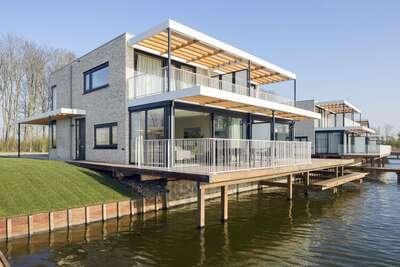 Villa de luxe avec une jetée, près de Veerse Meer