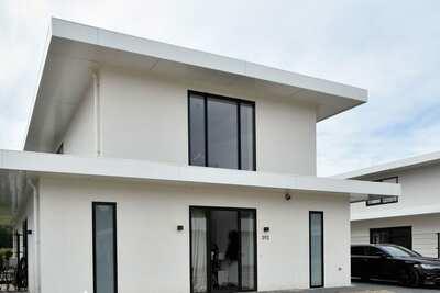 Villa de luxe neuve pour 10 personnes sur un petit parc à côté d'un terrain de golf