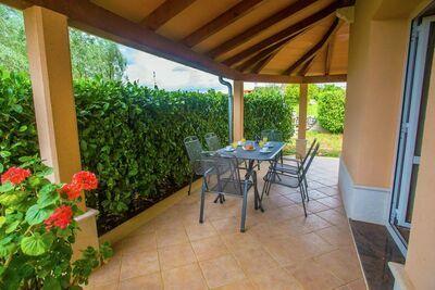 Appartement calme à Sveti Lovrec avec piscine