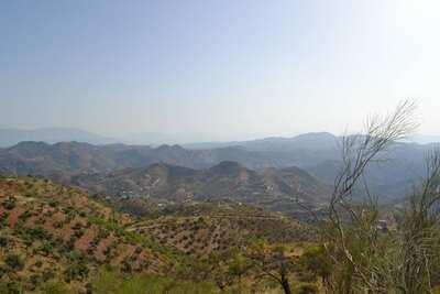 Maison de vacances avec vue sur la montagne à Almogía