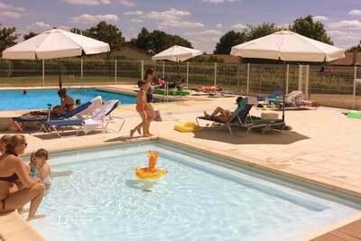 Villa moderne avec piscine privée dans la belle Loire