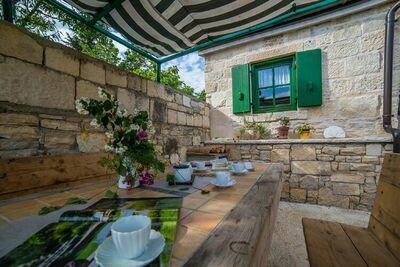 Belle maison en pierre avec piscine privée située près de Zadar et près de la mer