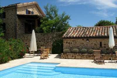 Maison de vacances sereine à Rosières avec piscine