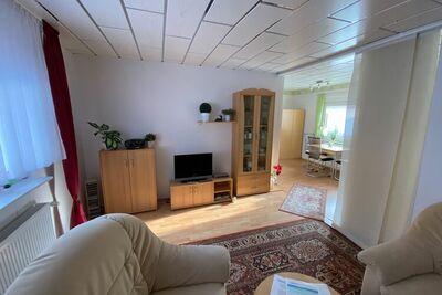 Maison de vacances confortable à Schmiedefeld am Rennsteig avec barbecue
