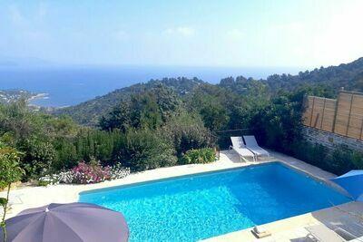 Villa avec piscine, vue mer et proche plage, à Bormes les Mimosas