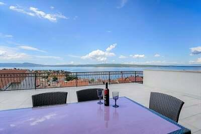 Appartement moderne avec vue magnifique sur la mer à Selce