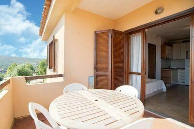 Maison de vacances sereine à Marinella avec jardin