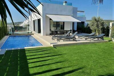 Villa luxuriante à Orihuela avec solarium et piscine