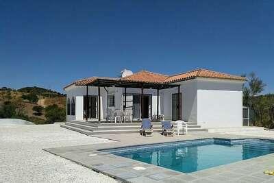 Belle maison de vacances située avec piscine privée près d'Almogía
