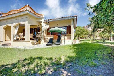 Maison de Vacances en Bord de Mer à Siniscula avec Jardin Privé