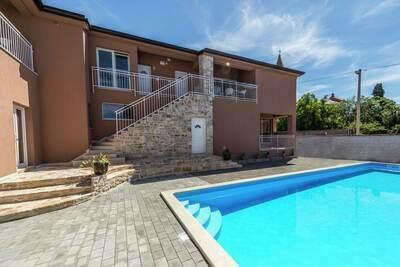 Coquet appartement à Tar avec piscine