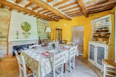 Splendide Villa à Santa Vittoria In Matenano avec piscine