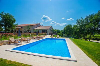 Appartement confortable à Sveti Lovrec avec piscine