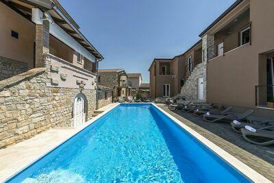Charmant appartement à Tar avec piscine