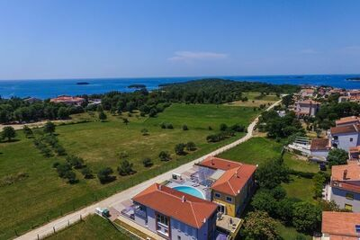 Magnifique appartement à Funtana avec piscine