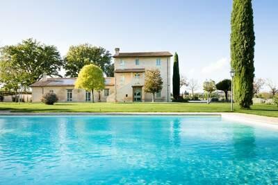 Villa spectaculaire à Papiano avec jardin clôturé