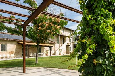 Cottage élégant à Papiano avec bain à remous