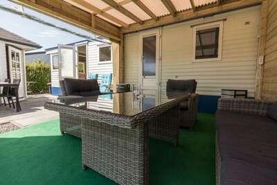 Chalet confortable, situé dans un camping de luxe à Renesse