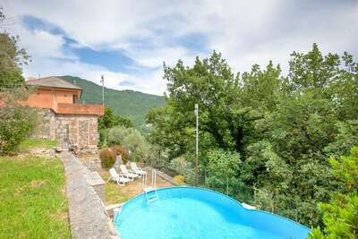 Splendide Villa à Recco avec Piscine Privée