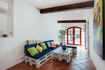 Maison de vacances spacieuse à Gérone avec jardin privé