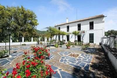 Belle maison de vacances à Aracena avec piscine privée